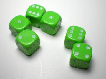 Game Master Mini Green w/White 16mm d6