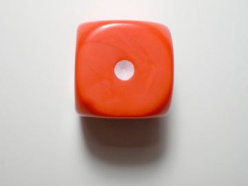 Game Master Opaque Orange w/White 16mm d6