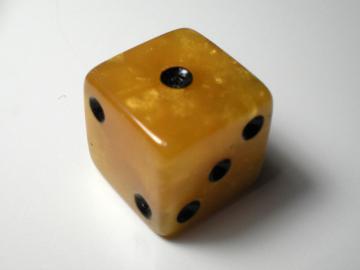 Koplow Games Marbelized Gold w/Black 16mm d6 Dice